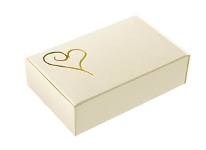 Classic Heart Cake Boxes - Gold & Ivory