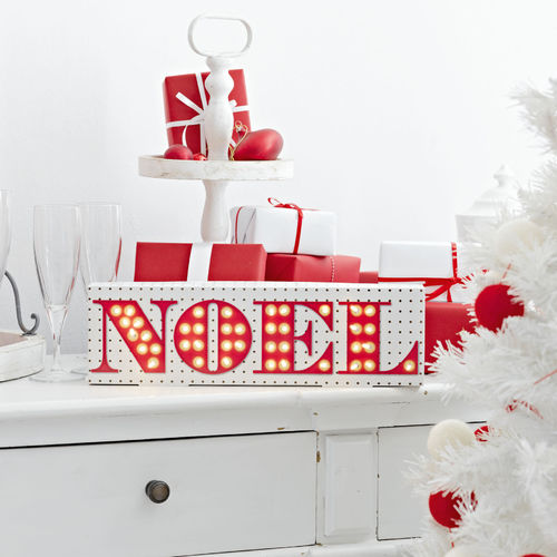 Light Up 'NOEL' Sign
